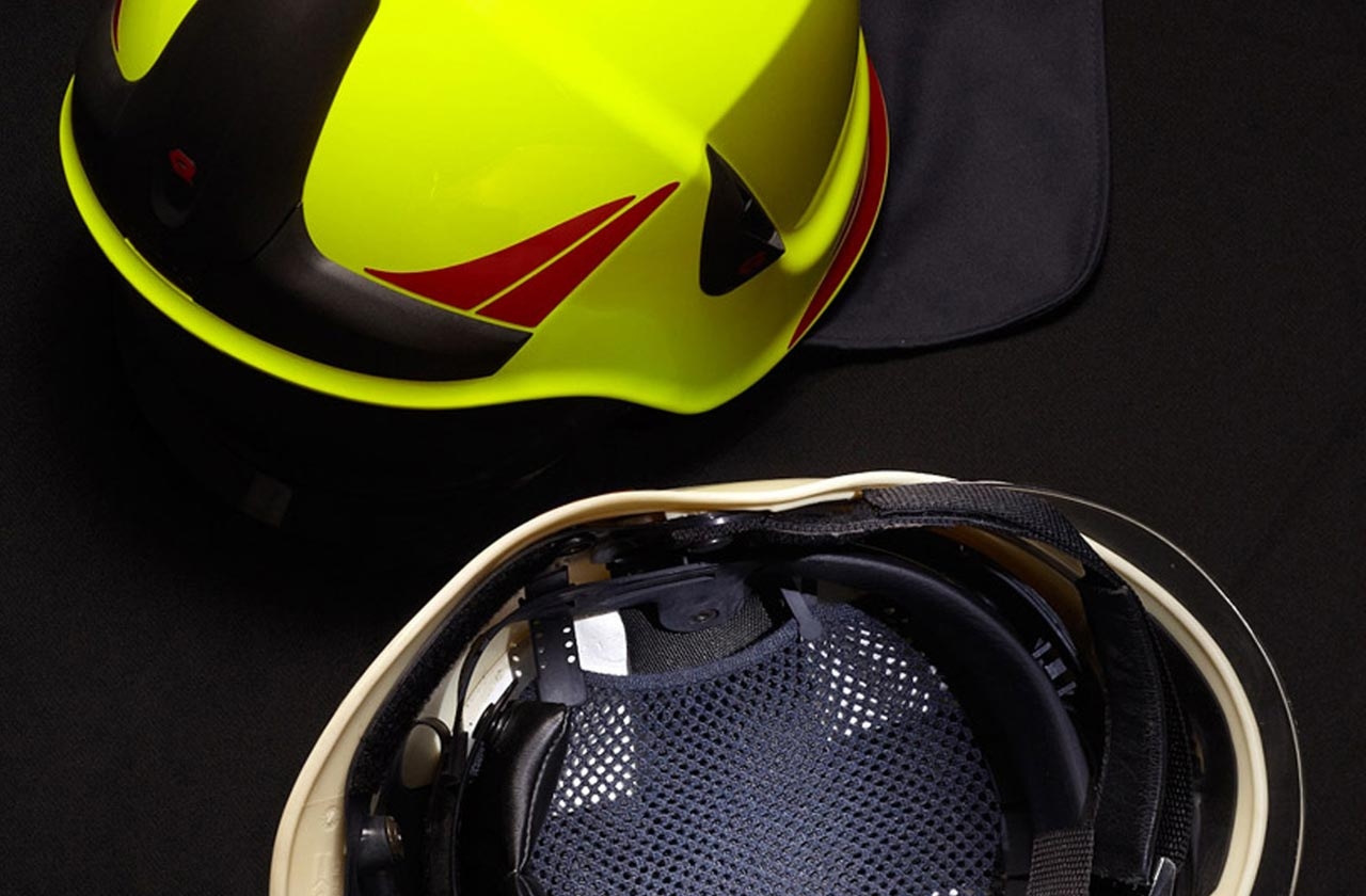 Kobleder's mesh knit in fire fighters helmets offer great advandages in breathability and force distribution.